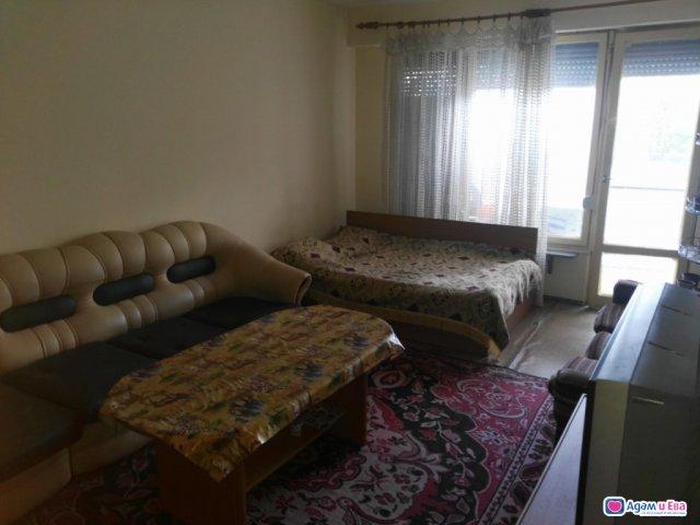 Апартамент под наем/нощувки/