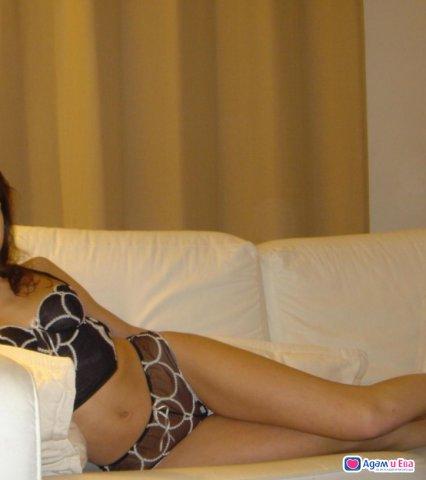Очарователна и секси, снимка 3