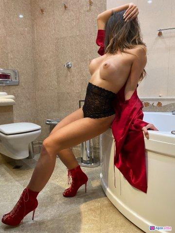 Аксиния The hottest lady, снимка 5