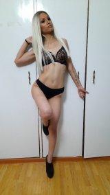 Нова секси руса 20 годишна кукла в града!