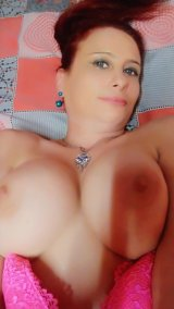 Красива🔝професионалистка с голям бюст предлага еротични масажи!