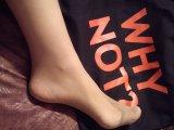Обувки/чорапки обилно напоени с аромата на секси женски крачета!
