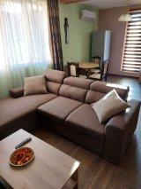 Самостоятелен апартамент за дискретни почасови попивки и нощувки