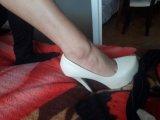 Задоволявам фетиши към носени обувки бельо